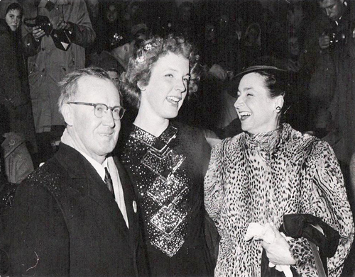Willie Frick, Tenley and Maribel Vinson Owen in Vienna at World's 1955