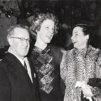 Willie Frick, Tenley and Maribel Vinson Owen in Vienna at World's 1955